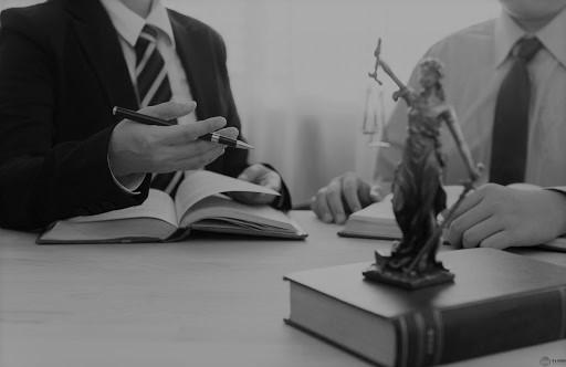 Споры о признании увольнения незаконным и выплате среднего заработка